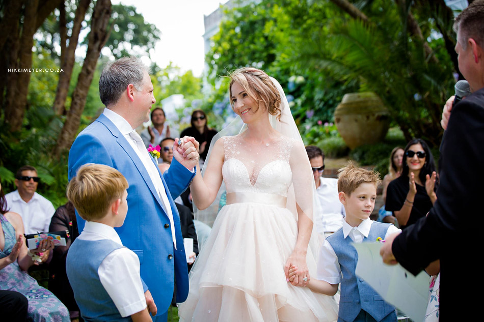 nikki_meyer_cape_town_wedding_photographer_cellars_hohenhort_020